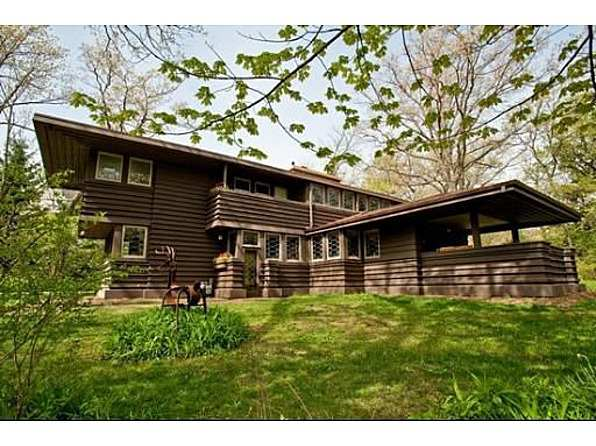 Millard House 1906 prairie - highland park, il (frank lloyd wright) - $749,000