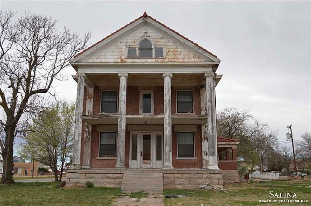 1910 Classical Revival Ellsworth Ks Old House Dreams
