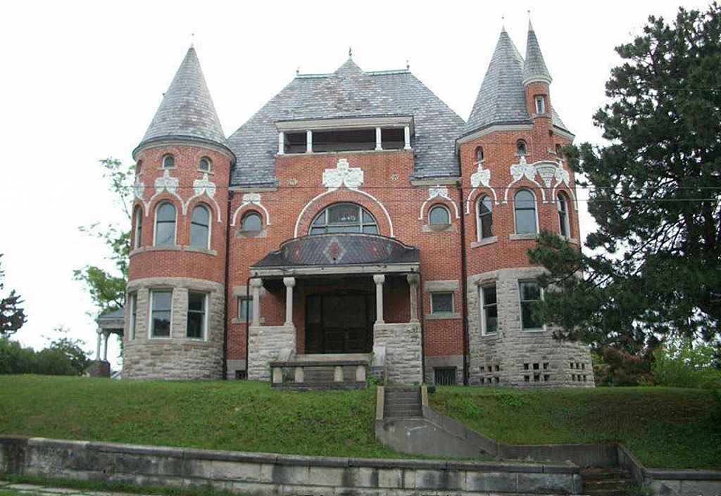 1892 Romanesque Huntington In Old House Dreams