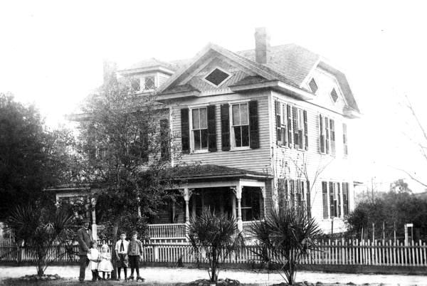 Munroe House