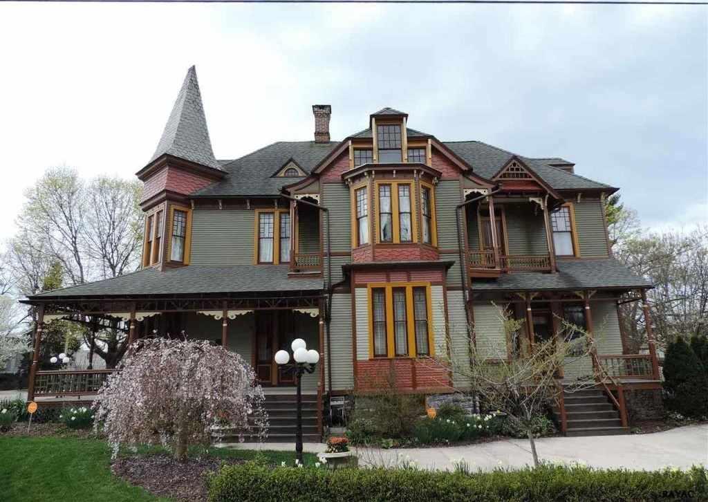 1887 Queen Anne U2013 York, PA U2013 $299,900