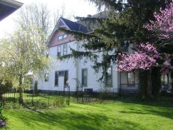 C 1900 Queen Anne Rushville In Old House Dreams