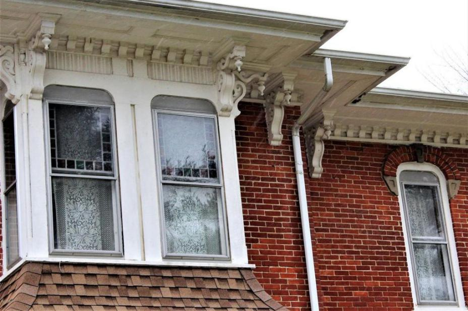 1889 stunning italianate for sale in paw paw michigan for Italianate homes for sale