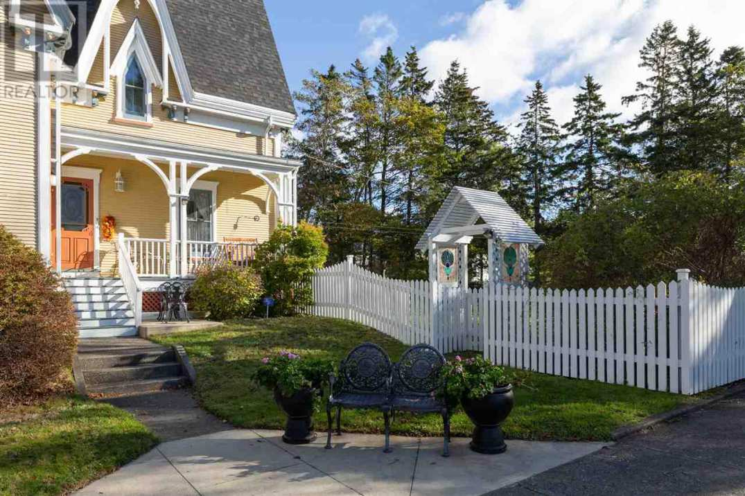 C 1877 Gothic Revival Yarmouth Nova Scotia Old House